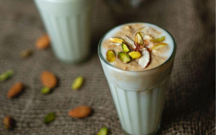 カフェ・ド・クリエ「国産白桃の爽やかラッシー」はデリバリーに対応している?価格はいくら?